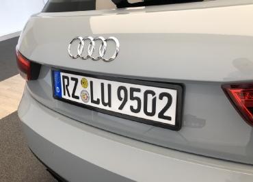 Kundenfoto Audi A1 Kennzeichenhalter schwarz-glanz