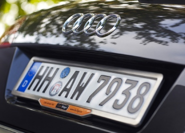 Kennzeichenhalter Edelstahl gebuerstet für Audi A6 allroad