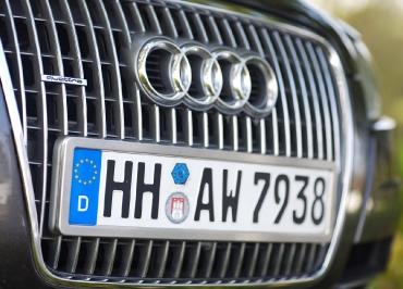 Kennzeichenhalterung aus Edelstahl gebürstet für Audi A6 allroad
