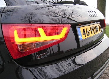 Nummernschildverstaerker Audi A1 schwarz-matt