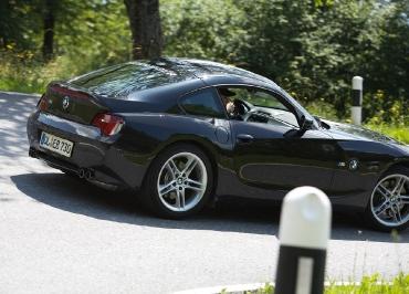 BMW Z4 mit CarSign Kennzeichenhalter Edelstahl poliert