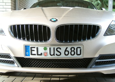 BMW Z4 Kennzeichenhalter Edelstahl gebuerstet