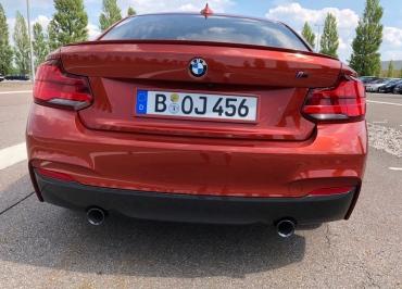 Kennzeichenhalter lackiert BMW M240i Coupé