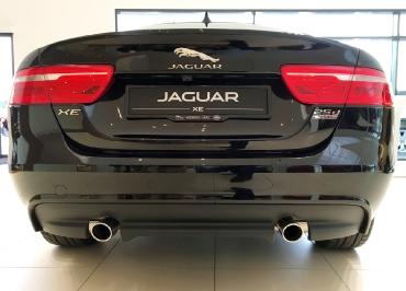 Jaguar XE Kennzeichenhalterung Edelstahl schwarz glänzend und Inlay