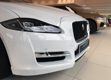 Jaguar XJ Kennzeichenhalter Edelstahl Chrom und Frontbiegung