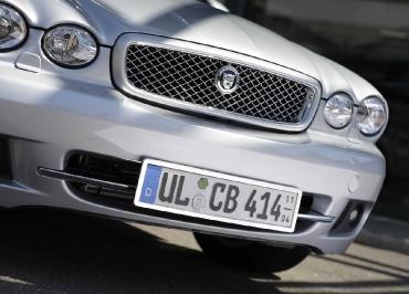 Jaguar Kennzeichenhalter Edelstahl Chrom auch für ältere Modelle