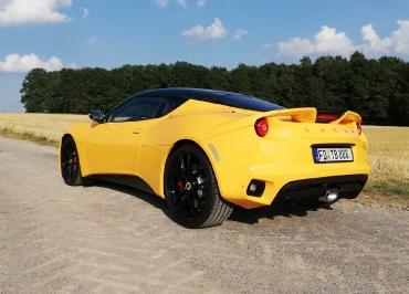 Lotus Evora mit CarSign sportlich schwarz-matt