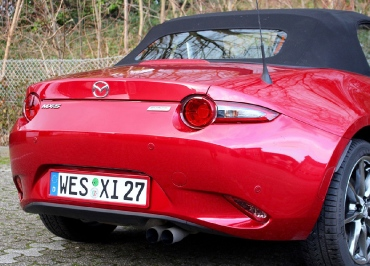 Mazda Kennzeichenhalter für MX-5 lackiert in original Wagenfarbe