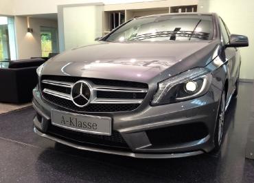 Kennzeichenhalter Mercedes A-Klasse Front Chrom