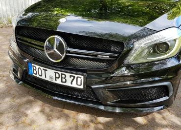 Kundenfoto A45 AMG Kennzeichenhalter schwarz-glanz Frontbiegung