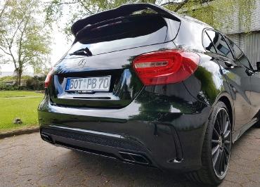 Kundenfoto A45 AMG Kennzeichenhalter schwarz-glanz und Inlay