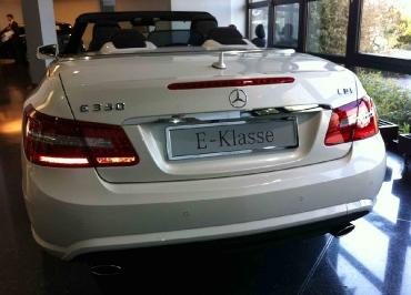 Kennzeichenhalter Mercedes E-Klasse Cabriolet in Edelstahl Chrom