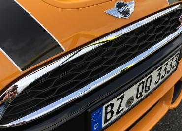 Front Edelstahl schwarz-glanz MINI Cooper Kennzeichenhalter