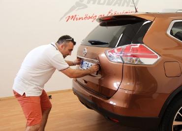Kennzeichenhalter Nissan