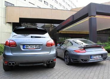 Porsche Kennzeichenhalter Fuhrpark schwarz-matt und Inlay
