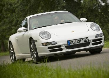 Porsche 911 mit CarSign Kennzeichenhalter Edelstahl schwarz-matt