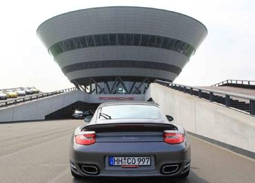 Porsche 911 Turbo Kennzeichenhalter schwarz-matt und Inlay rot für Fuhrpark