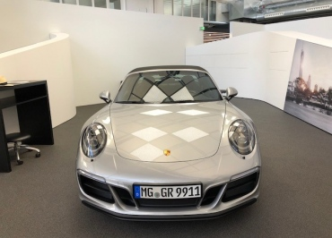 Kennzeichenhalter für Porsche 991 Targa Edelstahl schwarz-glanz