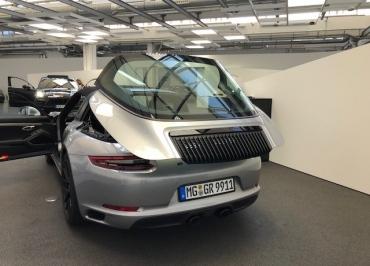Kennzeichenhalter für Porsche 991 Targa Edelstahl schwarz-glanz Lasergravur