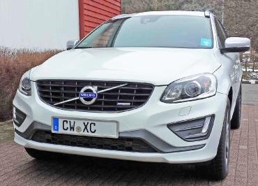 VOLVO XC60 Kennzeichenhalter Edelstahl gebürstet und Frontbiegung