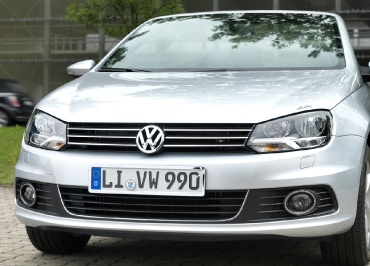 VW Volkswagen Chromfront mit Kennzeichenhalter von CarSign