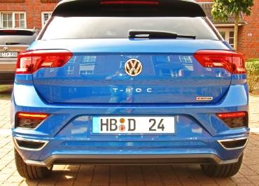 VW T-ROC mit Kennzeichenhalter lackiert in Wagenfarbe